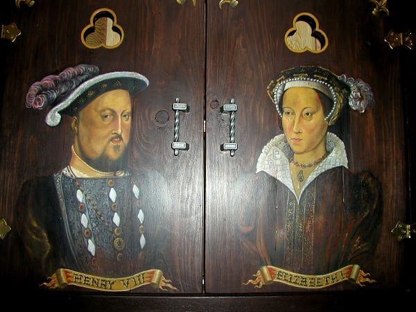 King / Queen Door